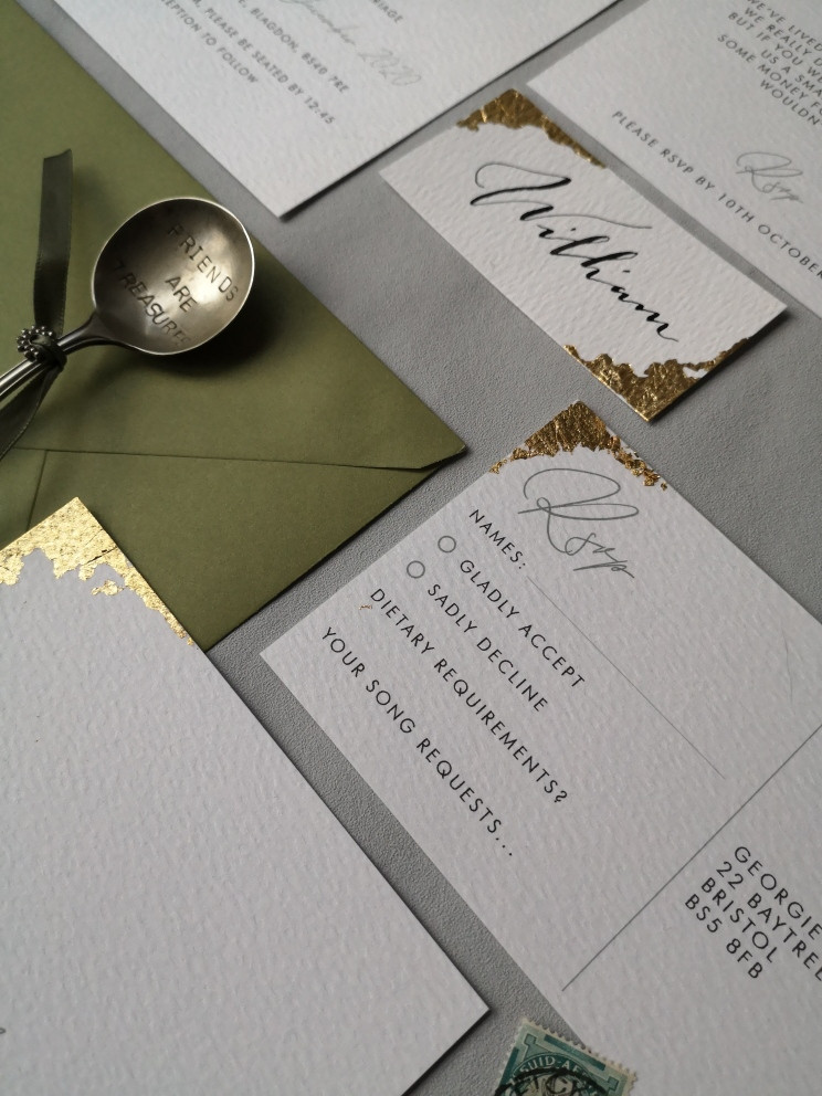Wedding invitation wording guide for all your stationery and wedding planning needs.