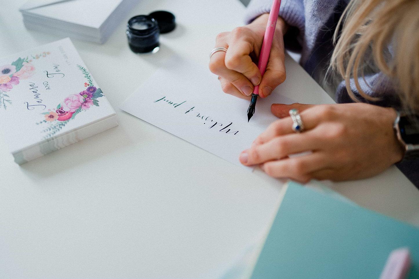 modern-calligraphy-wedding-invitations-h