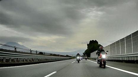 富士川へ.jpg