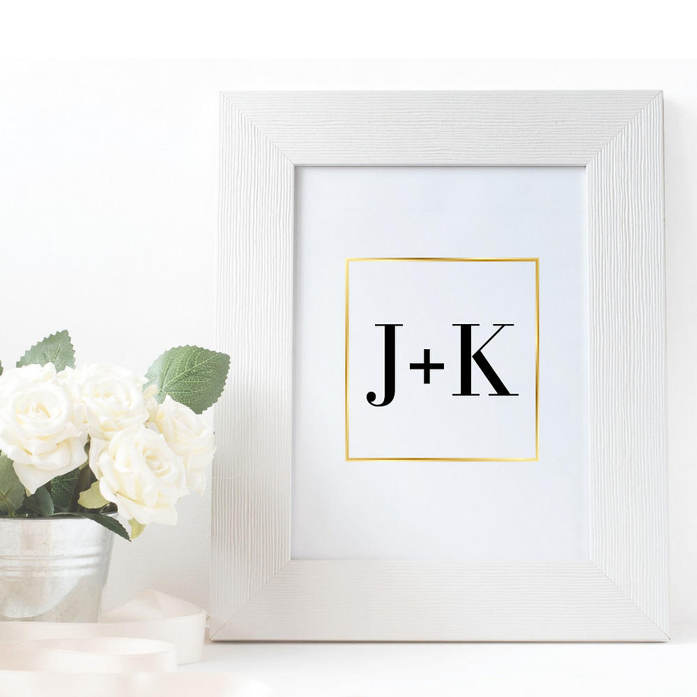 Our Gold Geometry goes well with any color-theme wedding with its classic gold frame.