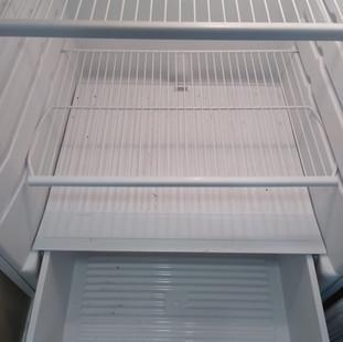 fridge_before_inside.JPG