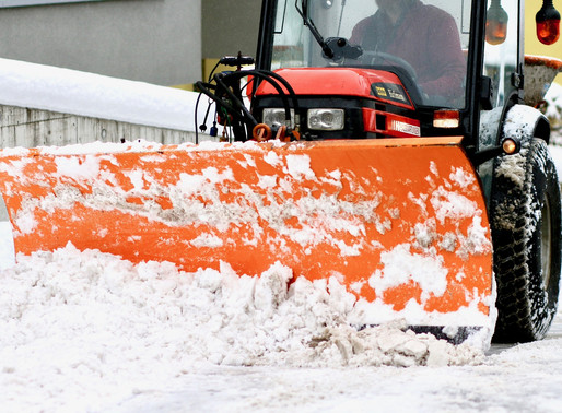 How to Hire a Commercial Snow Removal Contractor