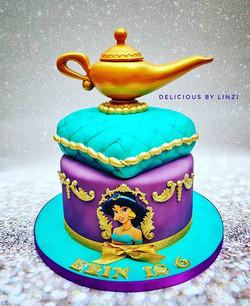 Gorgeous Jasmine cake with handcarved pi