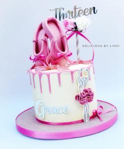 ballet themed drip cake