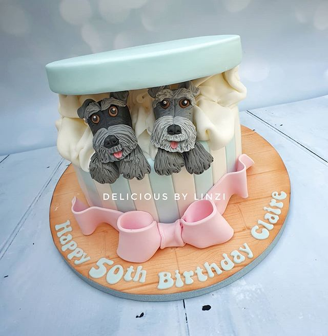 Seriously cute 'Hat box' style cake comp