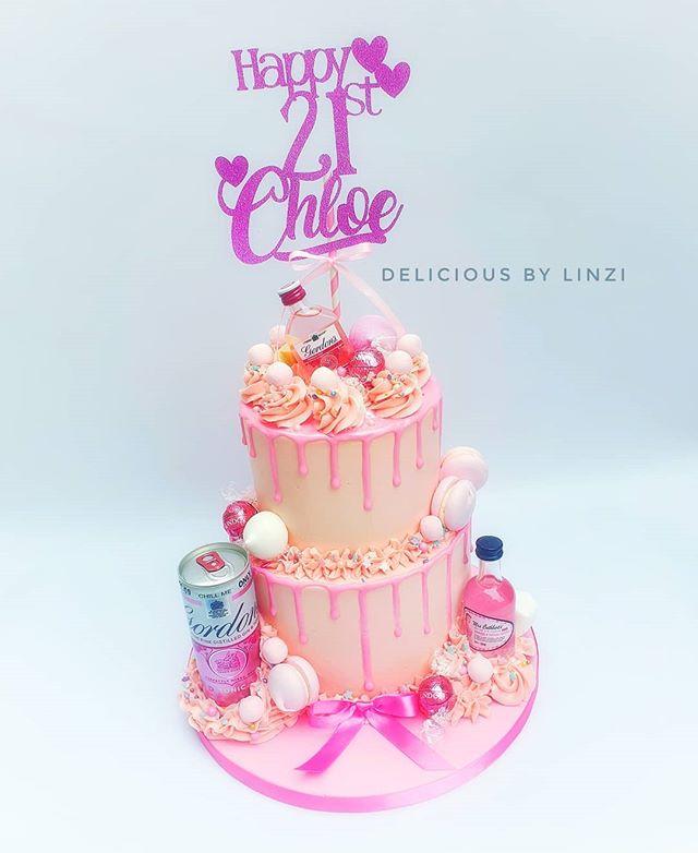 Pink Gin! 💗__#pinkgincake #pinkgindripc