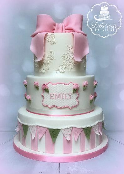 Vintage Rosebud Christening cake