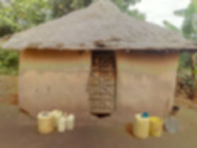 Traditional Luo house in Sega - Rapasa Nyatrapasa