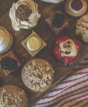 Artisan Cakes   Buy Online   Deliver to your door
