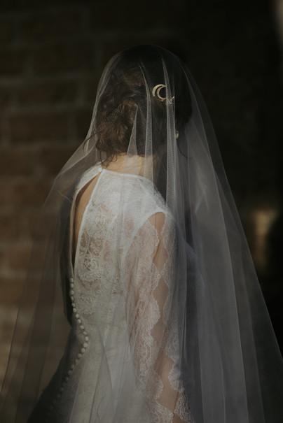 Callisto haircomb with silk tulle veil