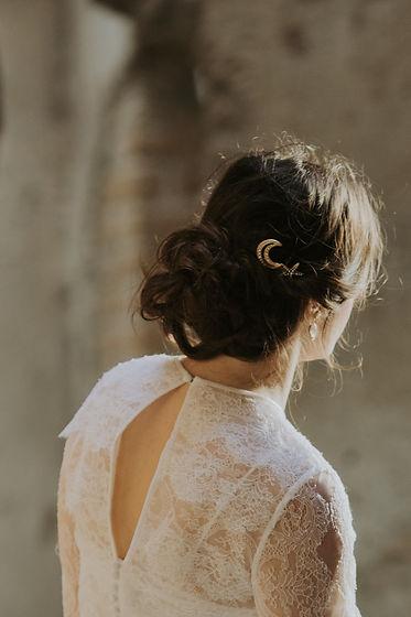 Bridal headpiece made in Rome, Italy. Celestial bridal haircomb made with moon, stars and swarovski crystals.