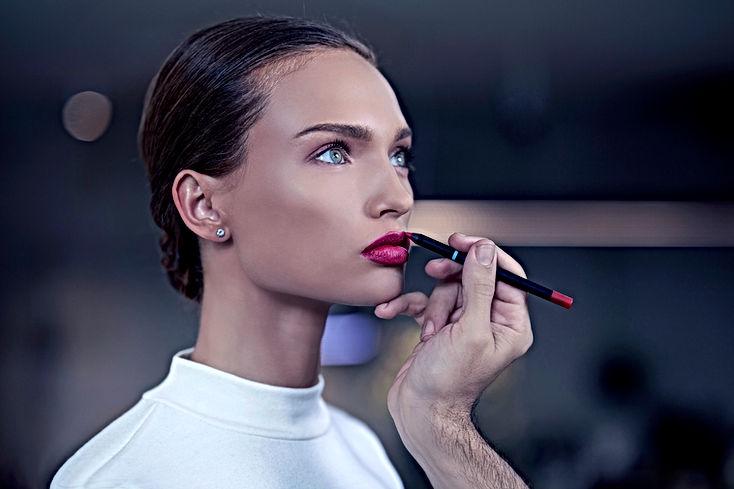 Joli maquillage de soiree