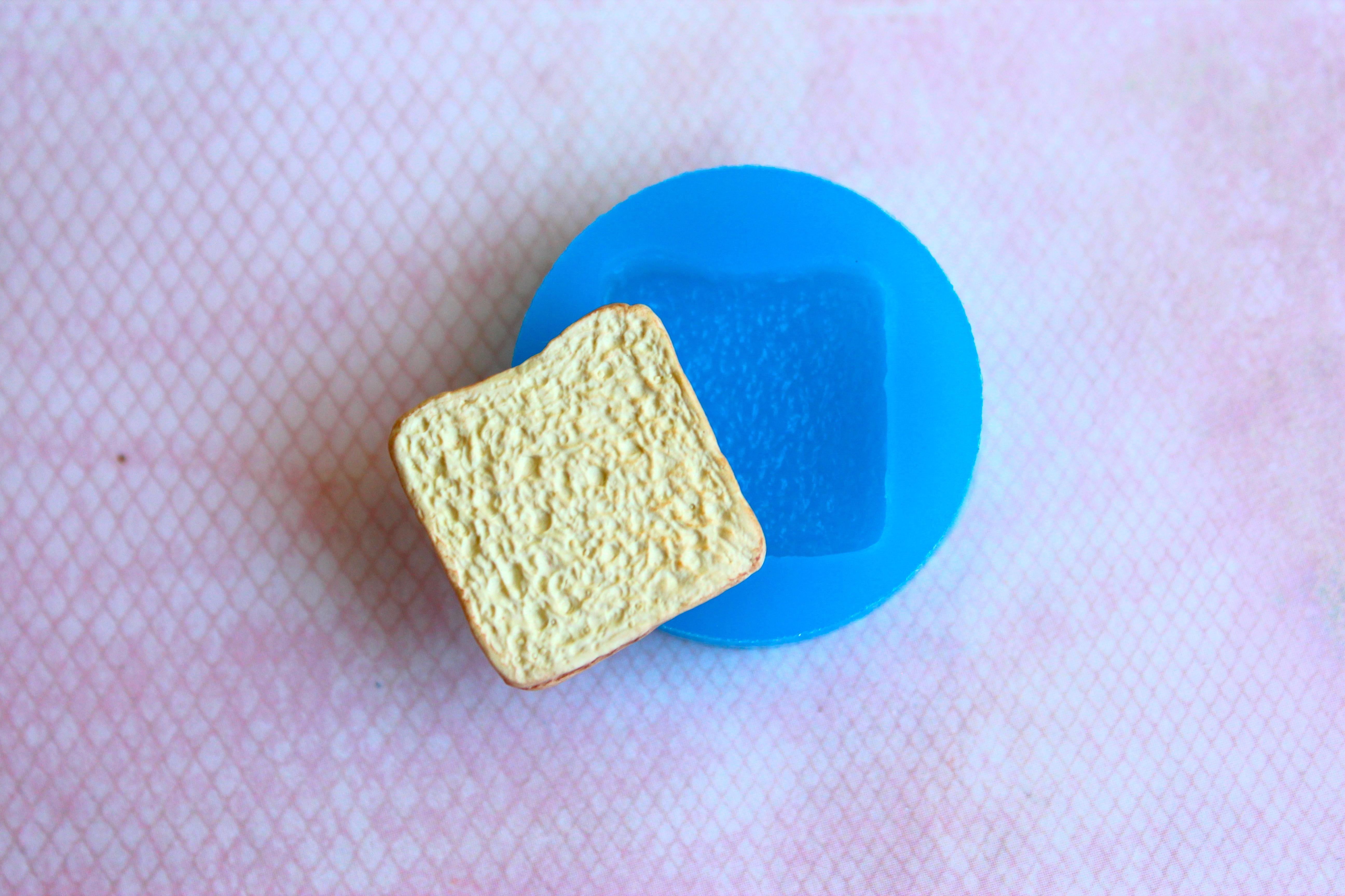 Toast Mold