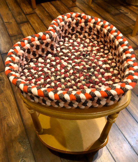 Heart-shaped light hardwood table with Hand-braided Wool Basket