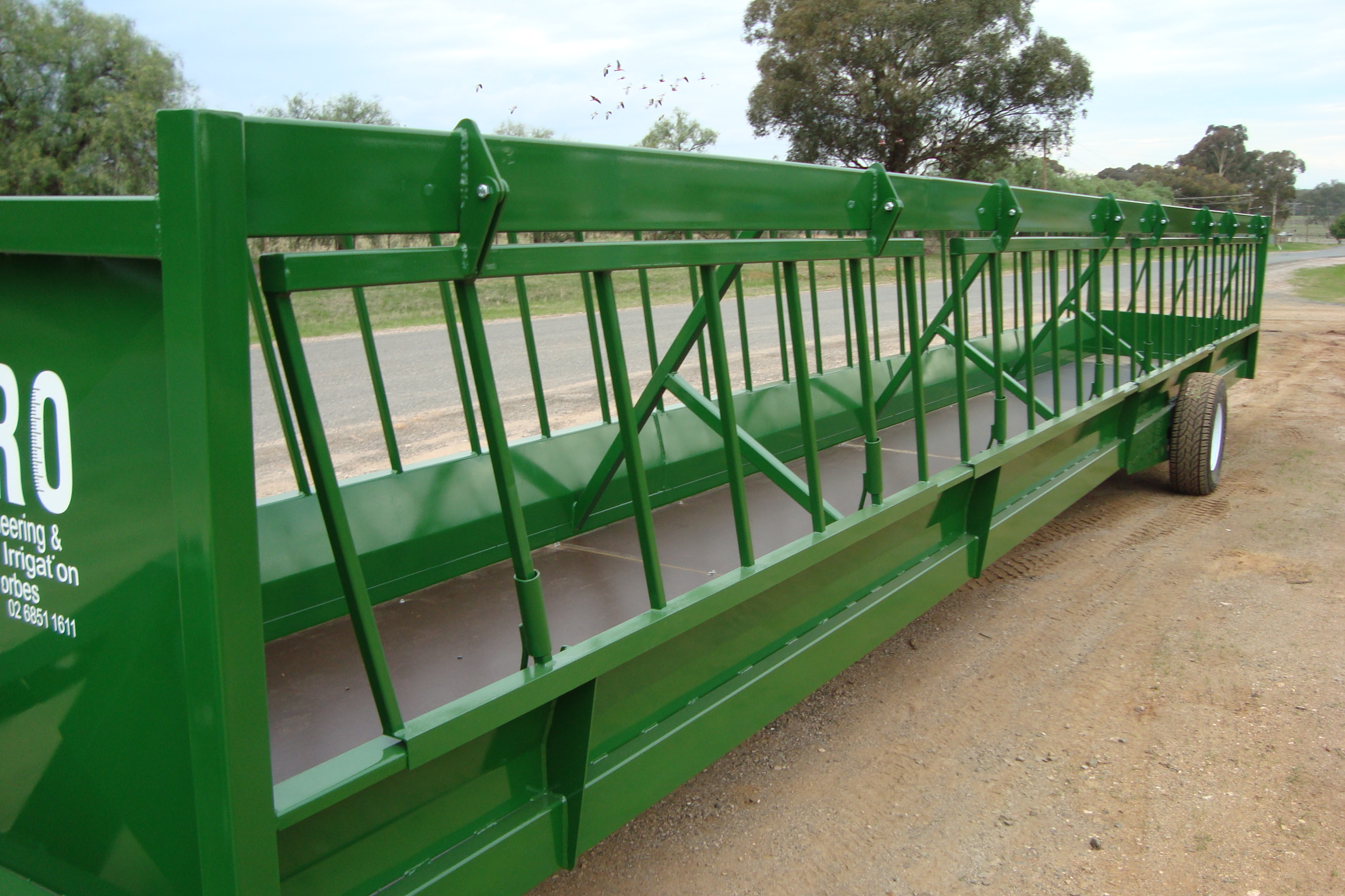 Mobile Cattle Feed Troughs   Midpro Engineering & Irrigation