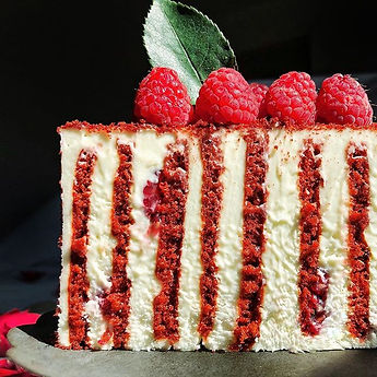 Red velvet with raspberries
