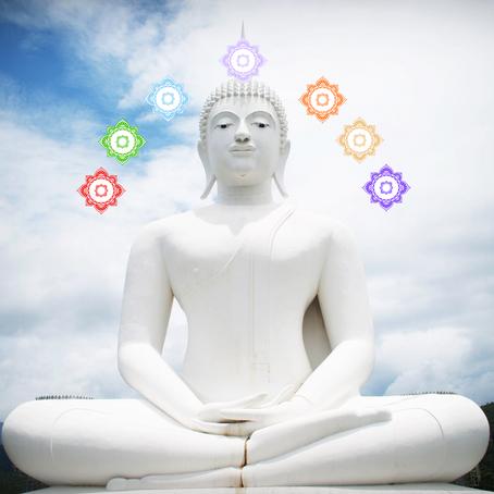 Der Ton zur Meditation: Wie unsere Chakren durch Klangschalen angeregt werden.