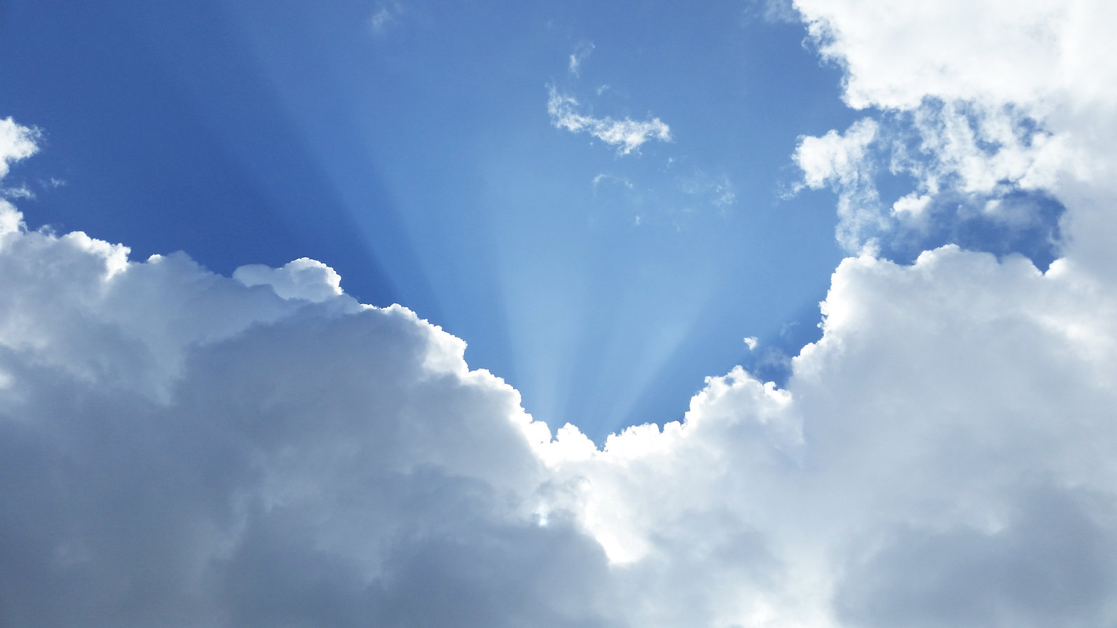 Plein ciel de lumière, hypnose, apaisement, bien-être