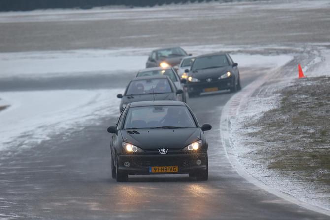 Peugeot 206 Ice Bear Challenge!