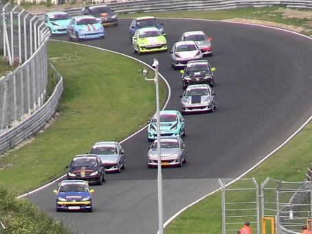 Ilbrink en Forster naar overwinning op Super Race Weekend zondag