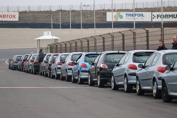 Peugeots massaal aan de coureursopleiding van RSZ!