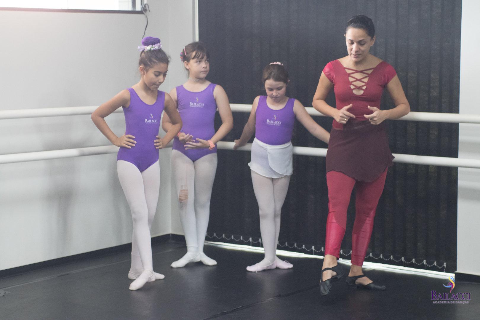 Aula experimental de ballet infantil