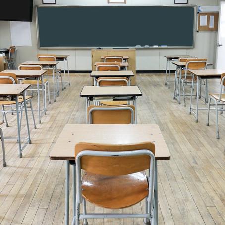 Escolas devem ter volta escalonada com aulas presenciais e a distância