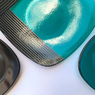 Serving Dish and Two Plate Dinner Set, 2020