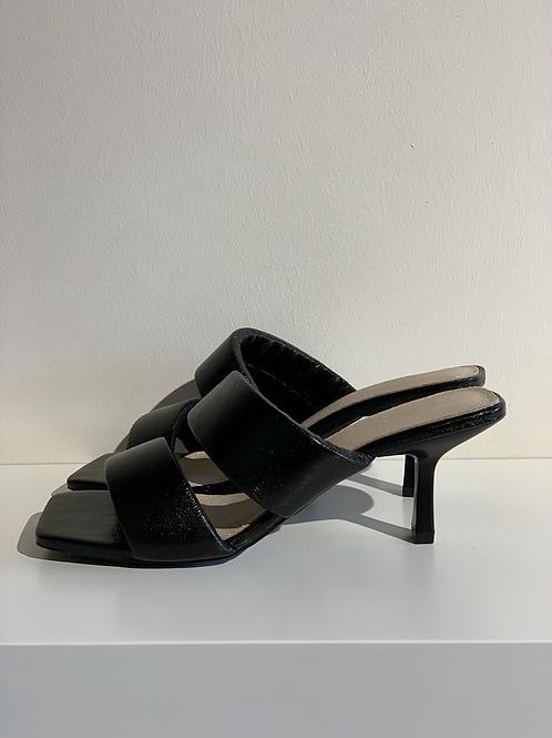VW Sandals Black
