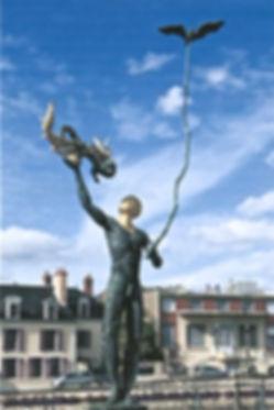 sculpture sur le parvis du Musée de Sologne