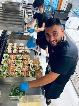 Making Burger Angolo di Pe.jpeg