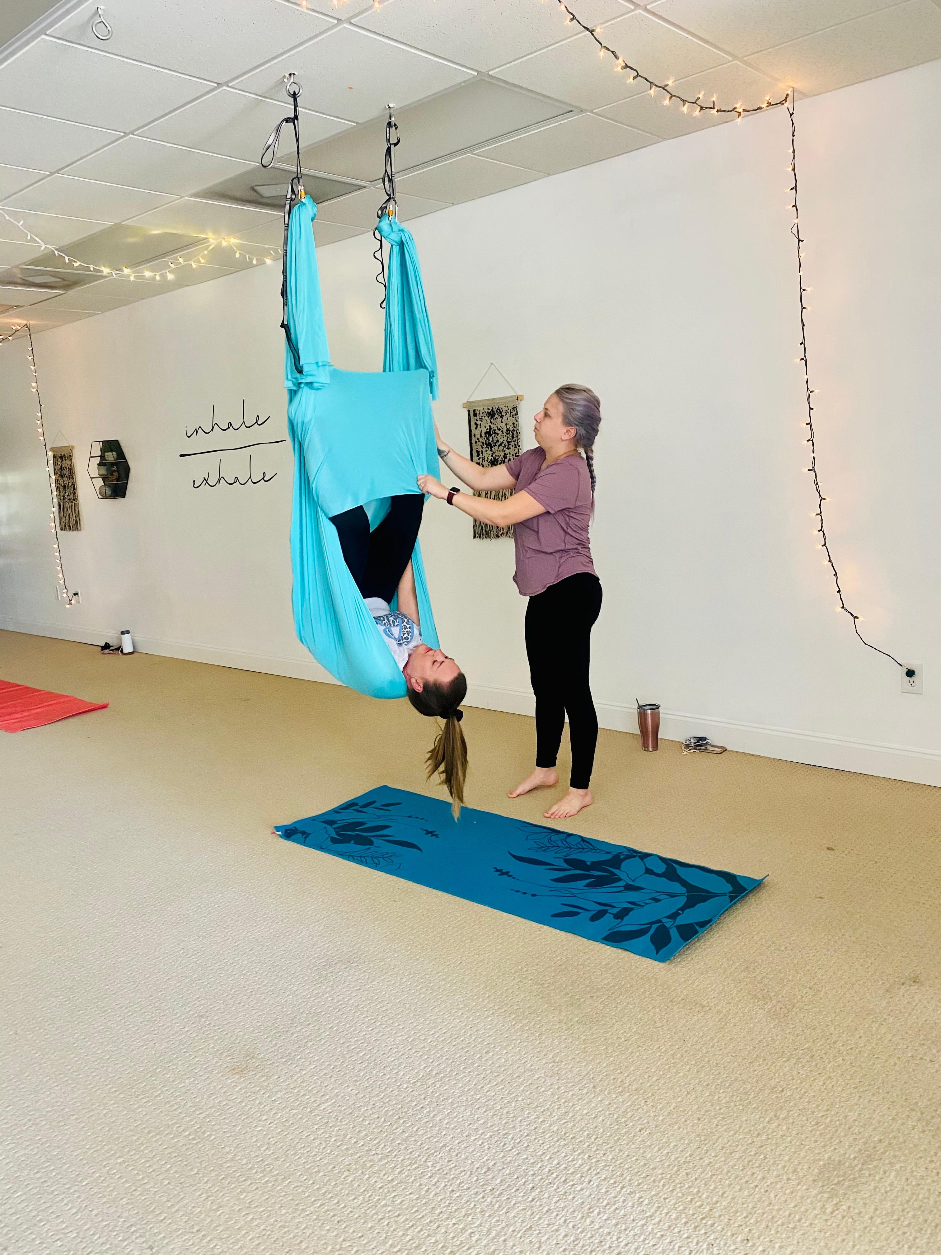 Beginner Aerial Yoga / Teresa