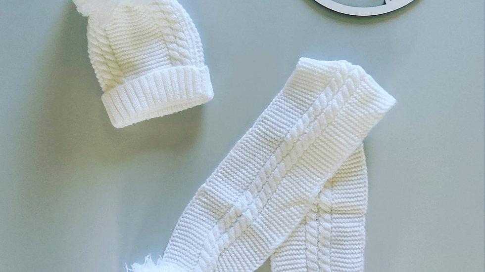 White Pom Pom hat & scarf set