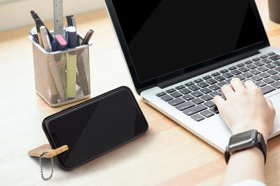 bamboo thin key-chain phone stand hero s