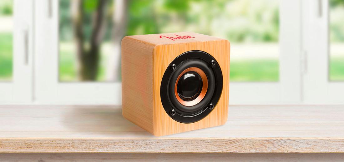 Fender bamboo large bluetooth speaker he