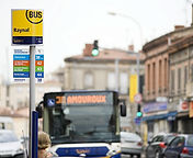 Installation poteaux d'arrêt à Lyon et en Auvergne-Rhône-Alpes