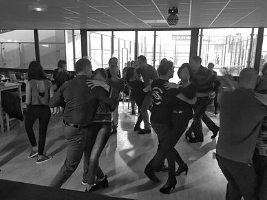 cours de danse_edited.jpg