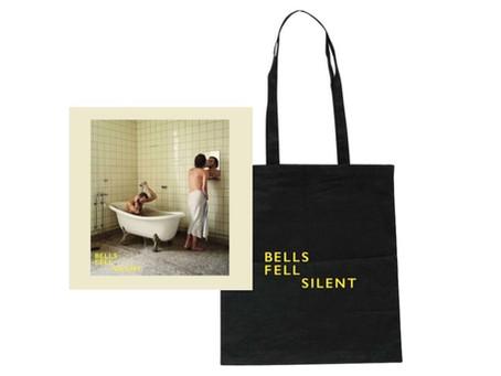 Pre-order debut album w/ tote bag