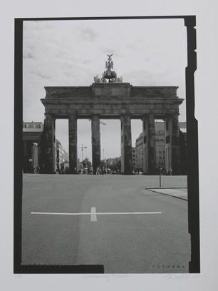 Una Milla de Cruces sobre el Pavimento - Brandenburg Tor, Berlin, 2007