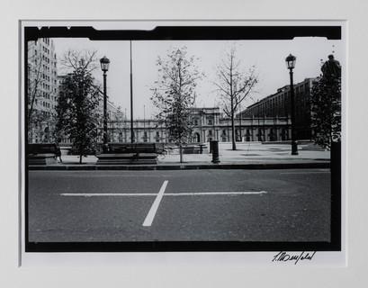 Una Milla de Cruces sobre el Pavimento - La Moneda, Santiago, 1985