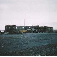 1956-040-terminal-building-hofn-internat