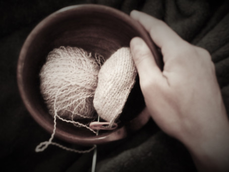 Podcast 3.27 Continental vs. English style of knitting...which is better?