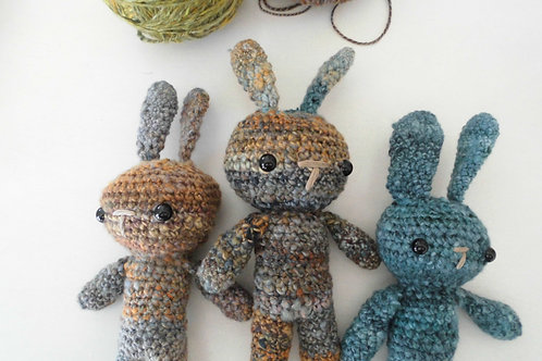 Simple Small Bunny and Scarf Crochet Pattern