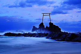 tottori-Hashizu_Coast.__Blue_moment_.-l.