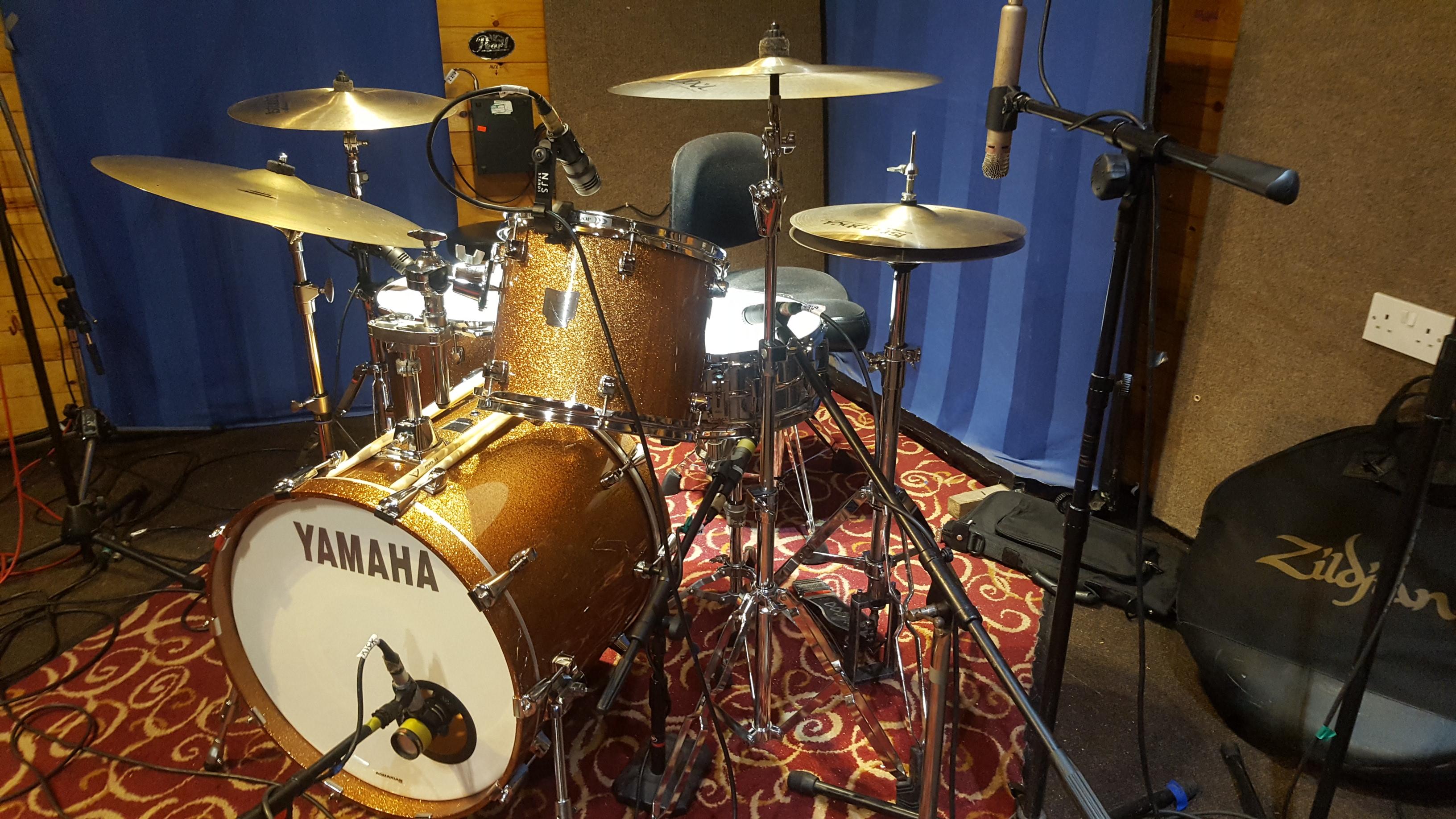 nice drum kit MHRC 2018