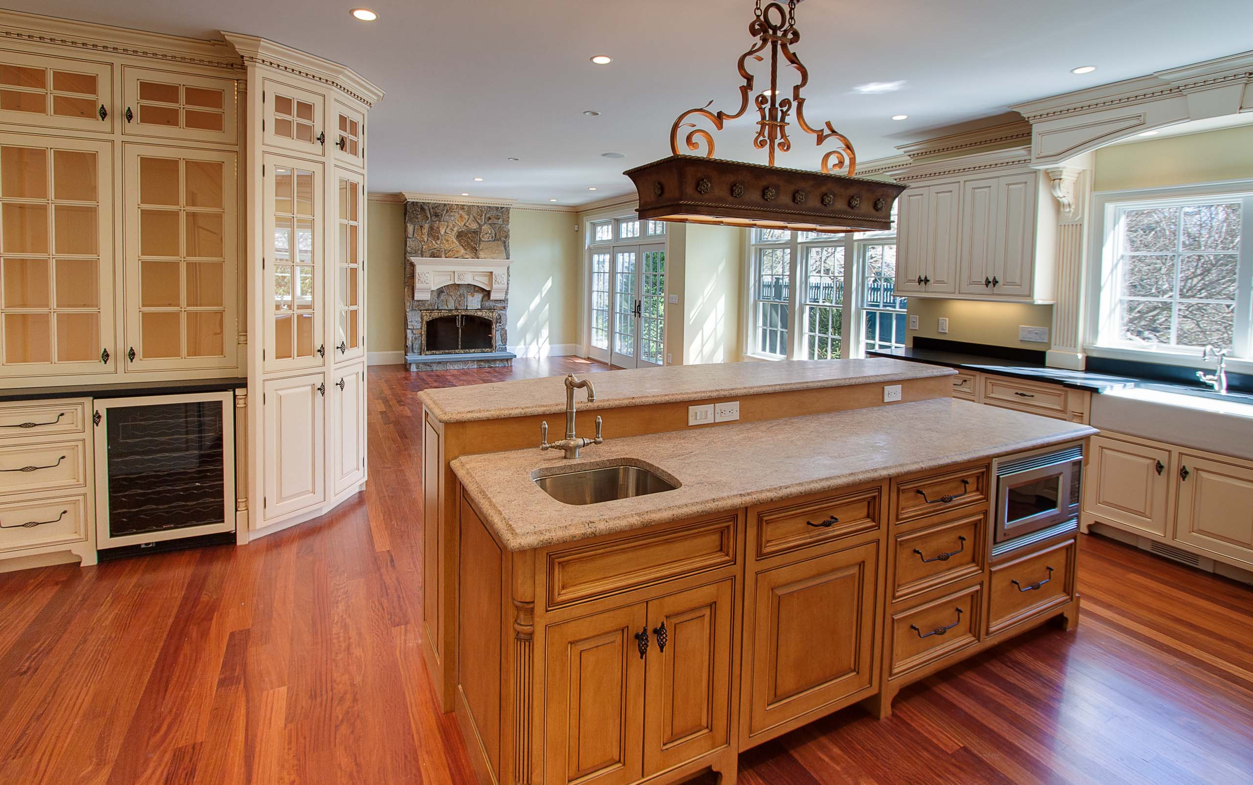 Wellesley colonial kitchen island