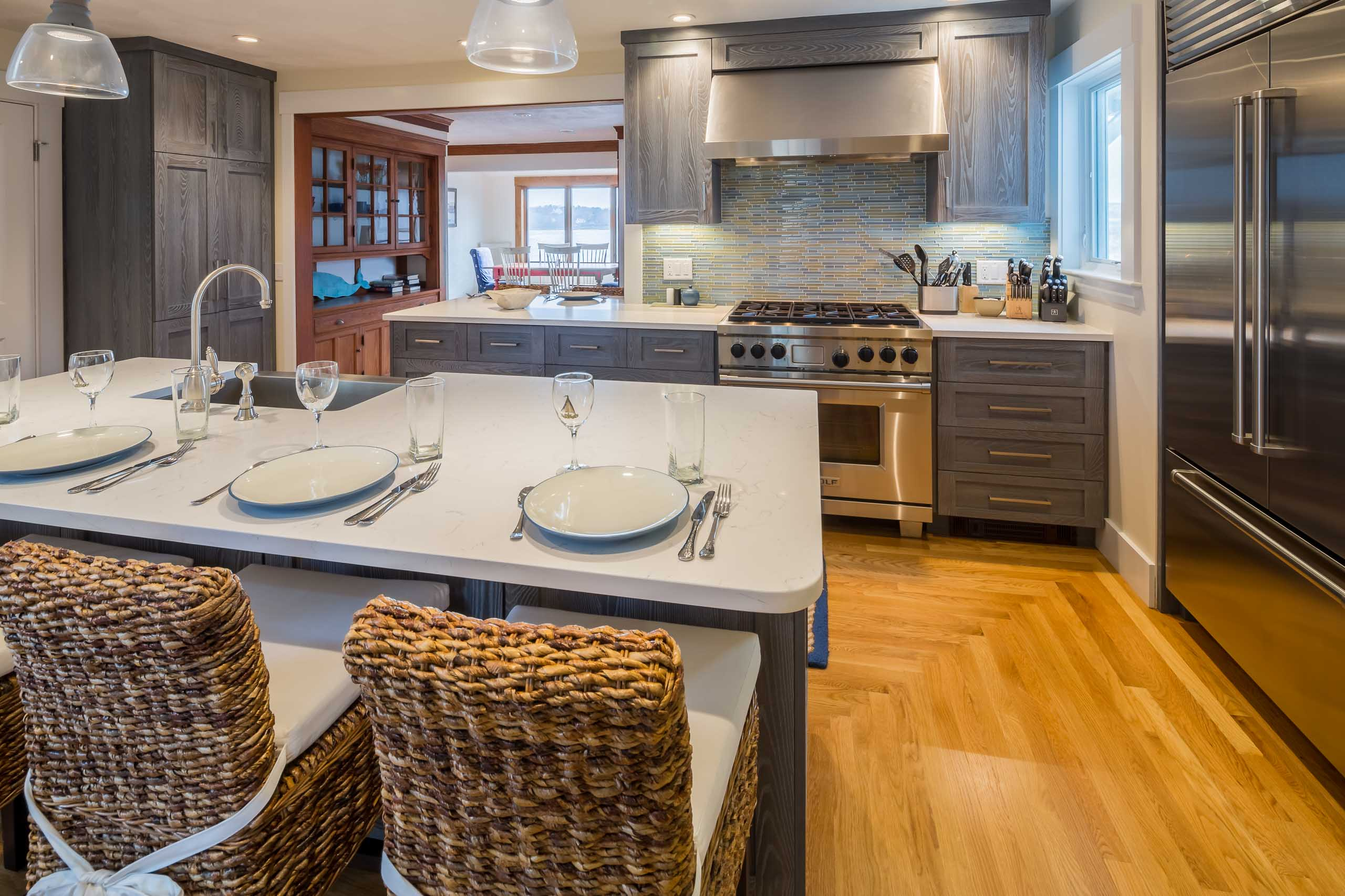 Gloucester Beach House kitchen Islan