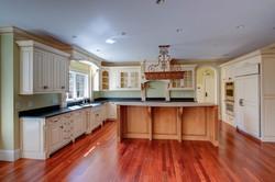 Wellesley colonial kitchen island