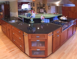 Kitchen Island beauty with glass top