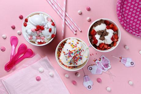 Fête d'anniversaire avec la crème glacée